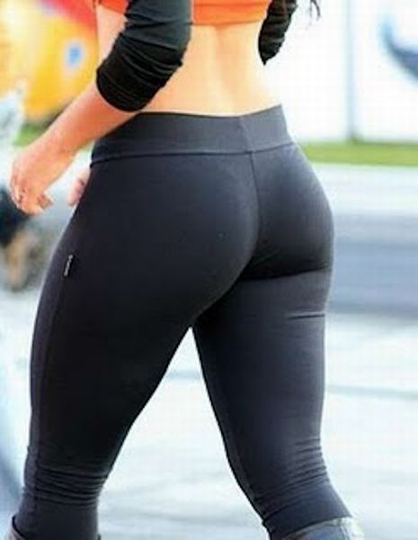Girls-in-Yoga-Pants-32