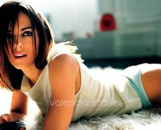 elizabeth-hurley-is-the-sexist-woman-in-britain-photos-5